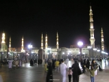 Masjid Al Nabawi in Madinah - Saudi Arabia (night)