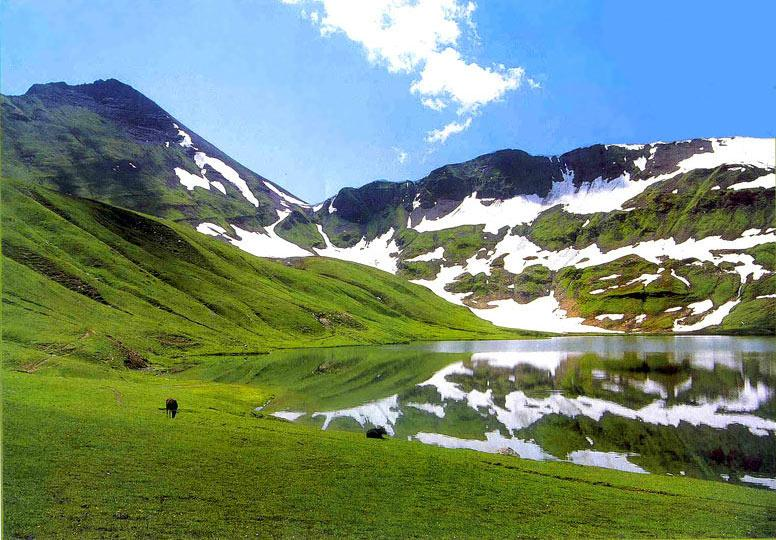 Dudipat Lake Lulusar-Dudipatsar National Park Kaghan Valley