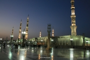 Masjid Al Nabawi in Madinah - Saudi Arabia (nightfall)